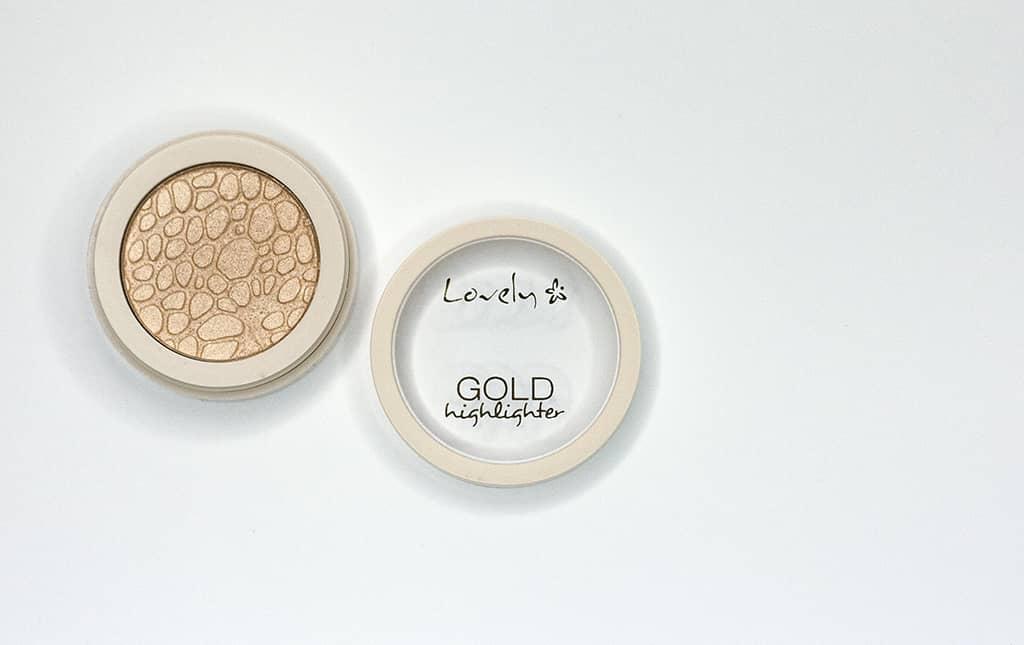 rozświetlacz lovely gold